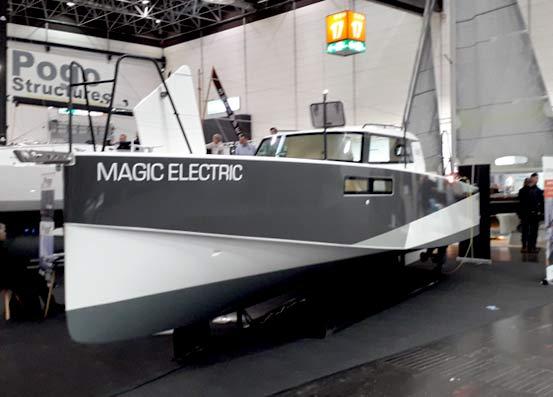 bateau à moteur-électrique POGO LOXO 2